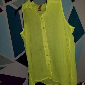 A lovely yellow shirt